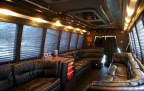 a1-18-passenger-tampa-bus